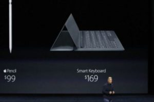 Apple Pencil tiene un costo de 99 dólares, mientras que 169 dólares por el Smart Keyboard. Foto: Apple