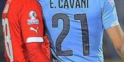 """El """"dedo"""" de Jara quedó en el olvido: Edinson Cavani lo perdonó"""