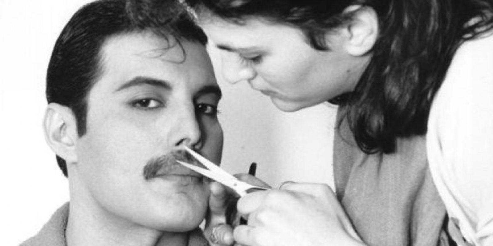 """En 1987 le diagnosticaron la enfermedad y él lo negó todo, pero la prensa británica se preguntaba por qué """"Queen"""" no hacía conciertos y por qué Mercury estaba tan desmejorado ni aparecía en público. Foto:vía Getty Images"""