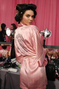 La modelo es la que menos gasta en tratamientos de belleza. Foto:Getty Images