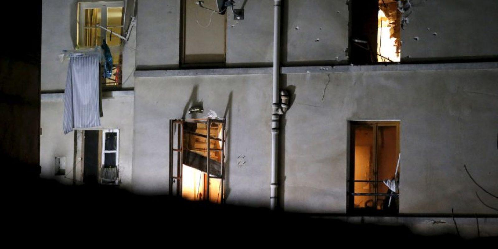 Al menos dos personas fallecieron y varios agentes resultaron heridos. Foto:AP