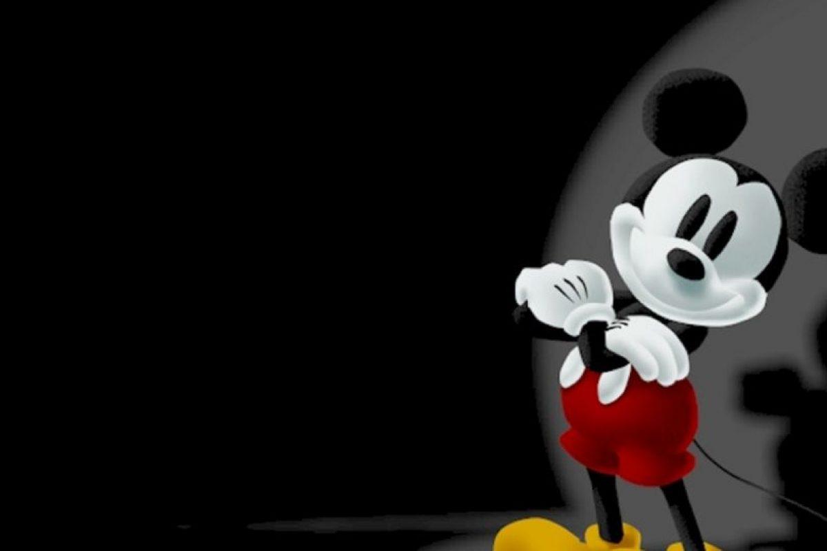 Mickey no lo logró, de todos modos, ya que incluso trató de pegarse un tiro. Foto:vía Disney