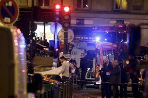 Luego que las autoridades tomaran el control del lugar la gente salió como pudo. Foto:AFP