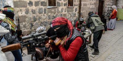 Mujeres kurdas armadas en Turquía. Foto:AFP