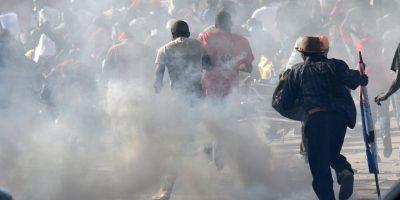 Varios partidos opositores se unieron en protesta contra el CEP por los resultados de la primera vuelta realizada el pasado 25 de octubre. Foto:AFP
