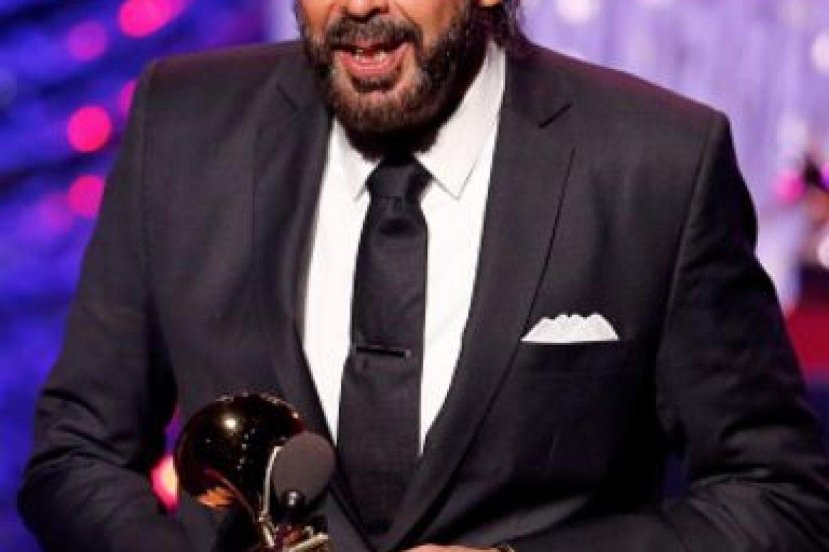 """Juan Luis Guerra ganó por Álbum del Año y Mejor Canción Tropical. Lo ganó por """"Todo tiene su hora"""" y """"Tus Besos"""". Foto:vía Getty Images"""