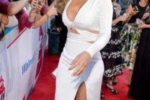 El vestido con cutouts le favorece. Además, no es de lentejuelas. Foto:vía Getty Images