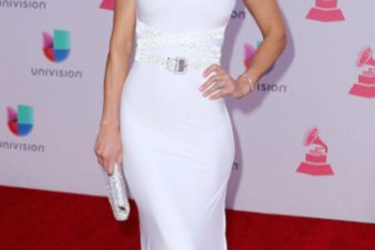 """Carolina de Moras pudo hacer de un vestido blanco algo que se puede encontrar en cualquier aparador de """"se alquilan vestidos para 15 años"""". Foto:vía Getty Images"""