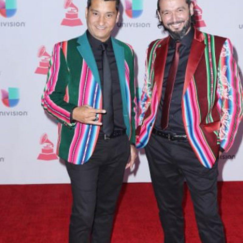 Juanjo Pestoni y Sebastián Nusser, de colores, en la peor combinación vista. Foto:vía Getty Images