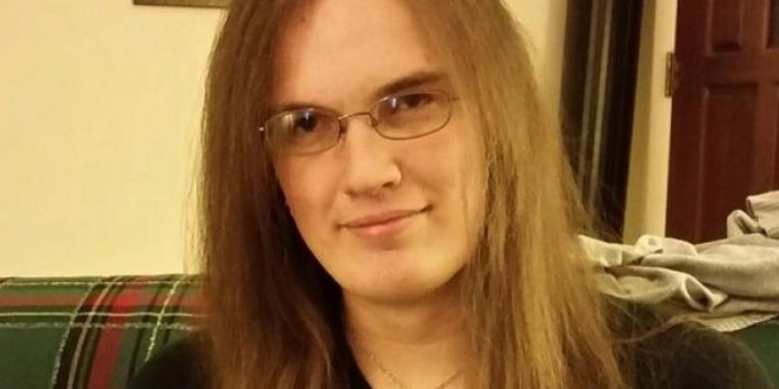 Ashley Hallstrom, de 26 años de edad, decidió suicidarse y revelar la razón que la llevó a quitarse la vida con un post en Facebook. Foto:Vía Facebook