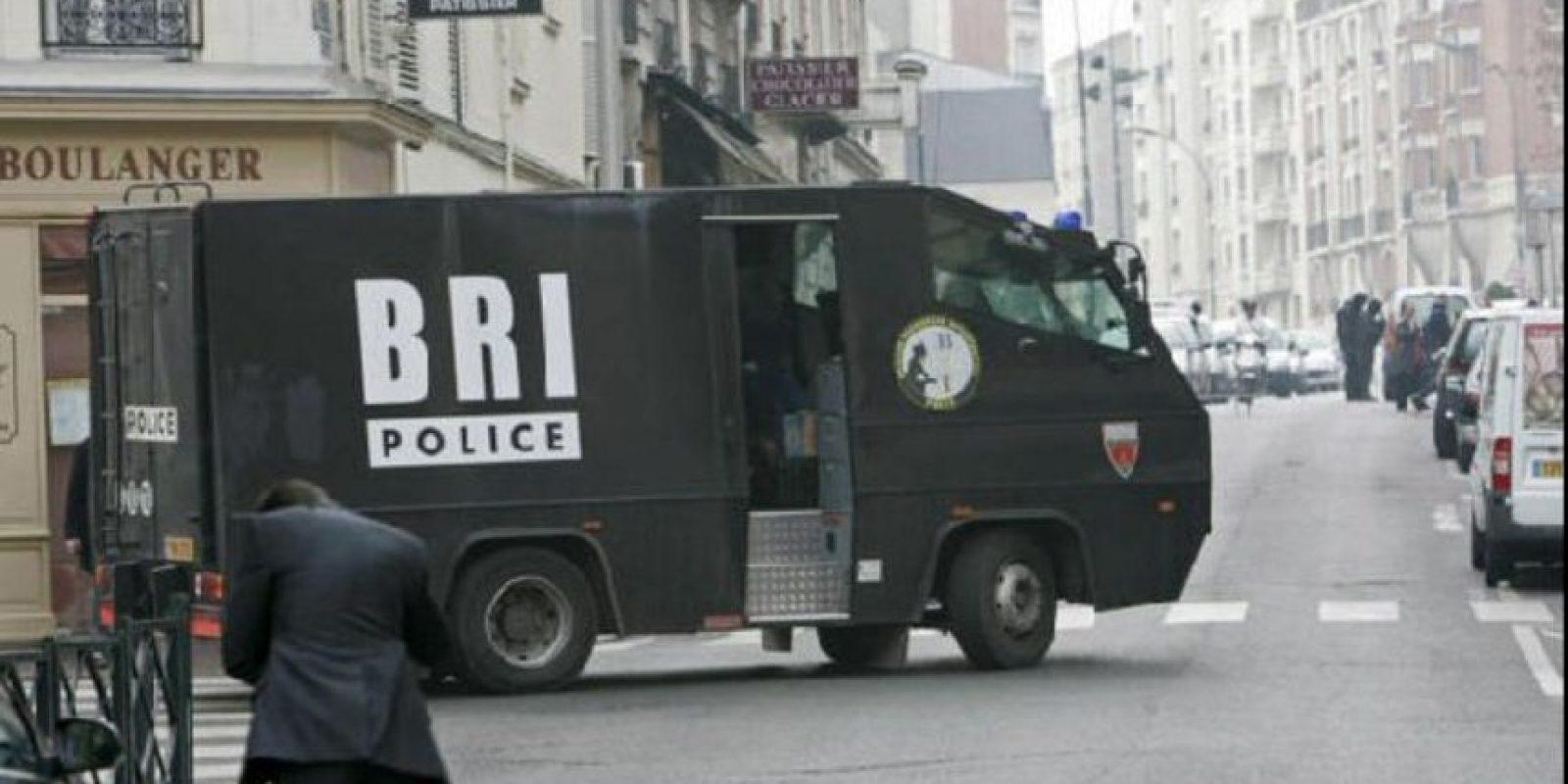 El comando aseguró en la entrevista que a su llegada vio cientos de cuerpos tirados en el suelo Foto:Vía facebook.com/BRI