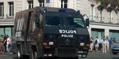 Pero uno fue abatido por un policía. Foto:Vía facebook.com/BRI
