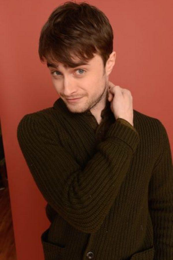 """Interpretar al mago más popular del cine no fue una tarea sencilla para el actor. Radcliffe le confesó a la revista británica """"GQ"""" que comenzó a beber """"para disfrutar algo de la vida"""". Foto:Getty Images"""