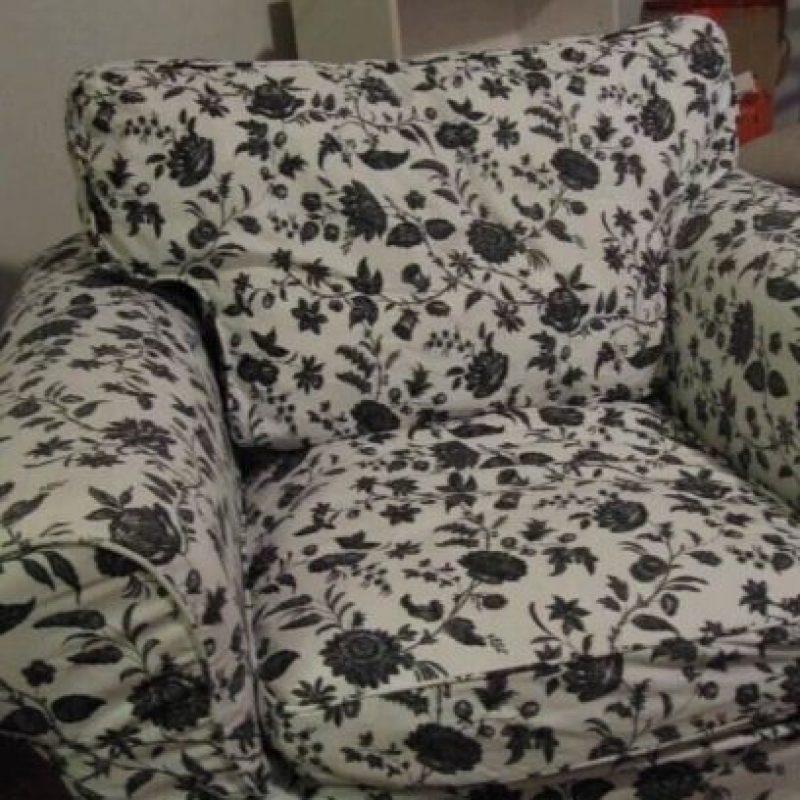 El sillón con el mismo estampado del traje de Harry. Foto:Vía Twitter