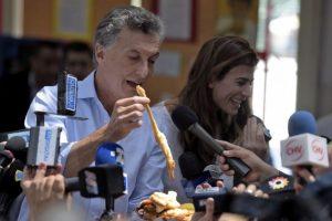 Mauricio Macri gana por más de siete puntos porcentuales Foto:AFP