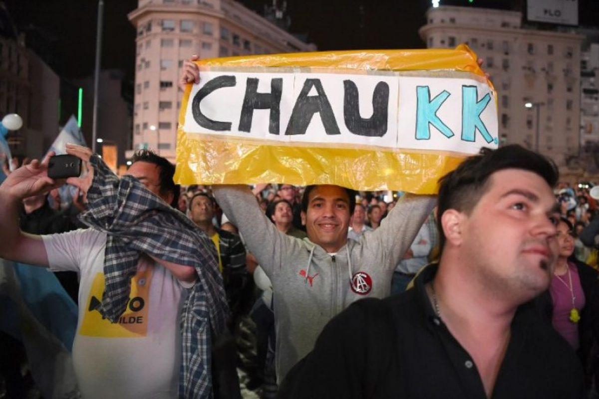 Mientras tanto, en la Plaza de Mayo, seguidores kirchneristas también se reunieron Foto:AFP