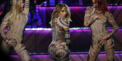 "VIDEO. La cara de desagrado de Nicki Minaj mientras Jennifer López bailaba ""Anaconda"""