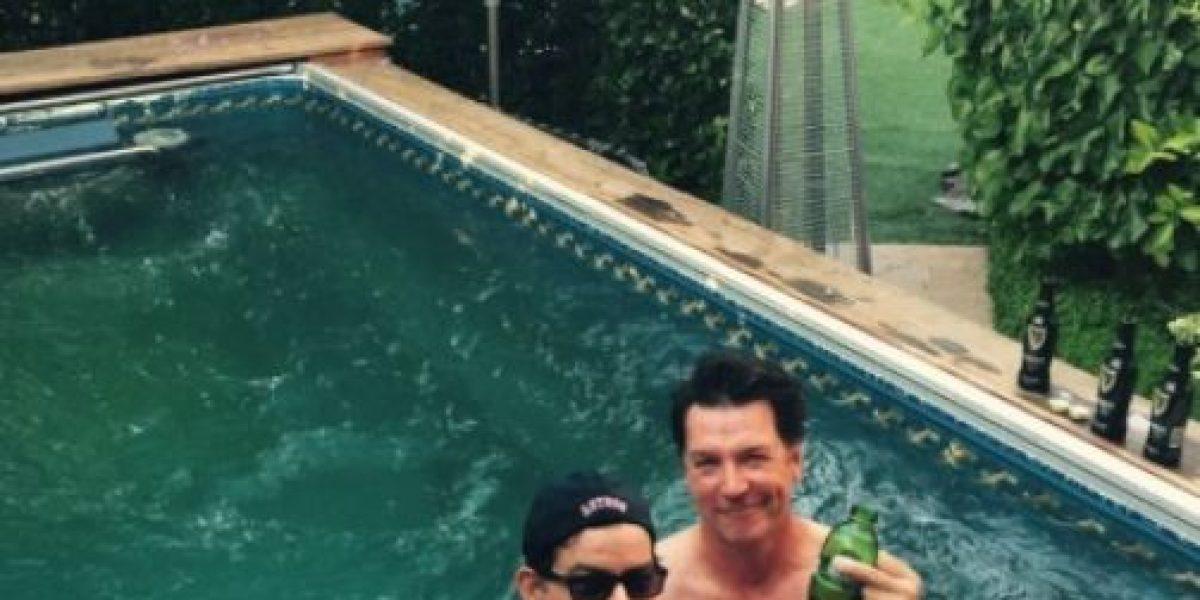 Revelan supuesto video de Charlie Sheen en la intimidad con otro hombre