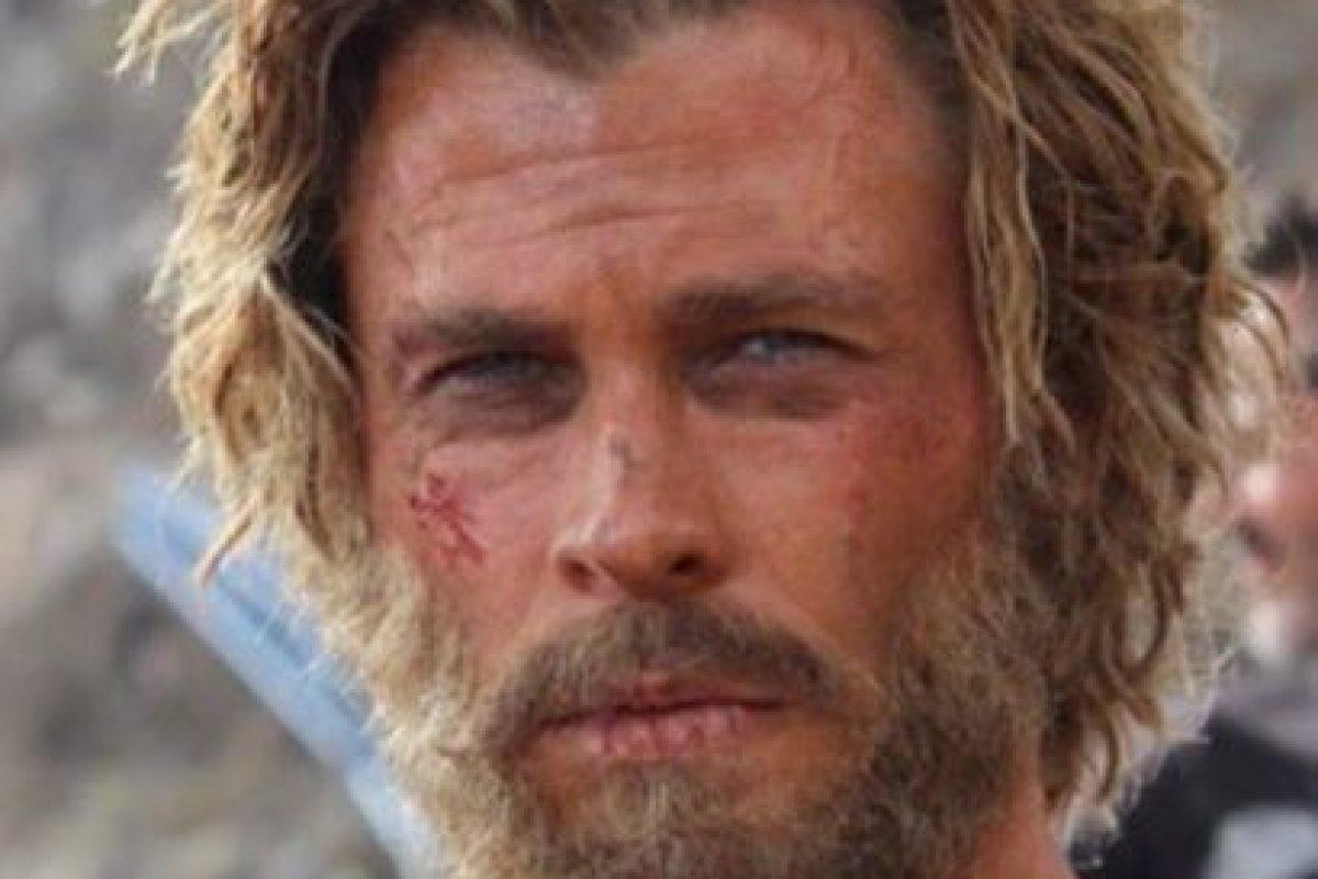 """Pero en la cinta """"En el Corazón del Mar"""" interpreta a un cazador de ballenas. Foto:vía instagram.com/chrishemsworth"""