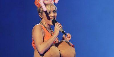 En 2014, solía aparecer en el escenario con pechos y glúteos falsos. Foto:Getty Images