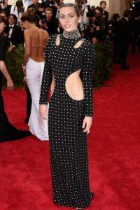 Y según algunos críticos de moda: su pésimo gusto. Foto:Getty Images