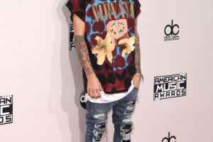 Justin Bieber fue de los peor vestidos en los AMAs Foto:Getty Images