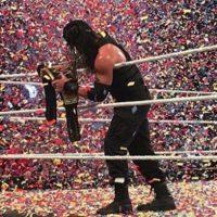 Al final, se impuso el descendiente de samoanos Foto:WWE
