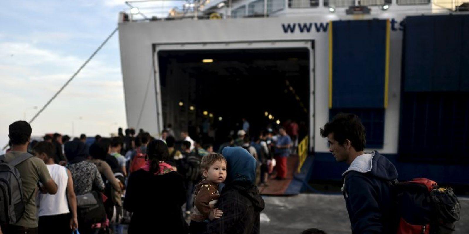 Muchas de estas personas arriesgan su vida para escapar de las difíciles situaciones en su país. Foto:AFP