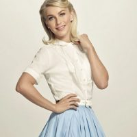 "Julianne Hough será ""Sandy"" Foto: Facebook/Grease"