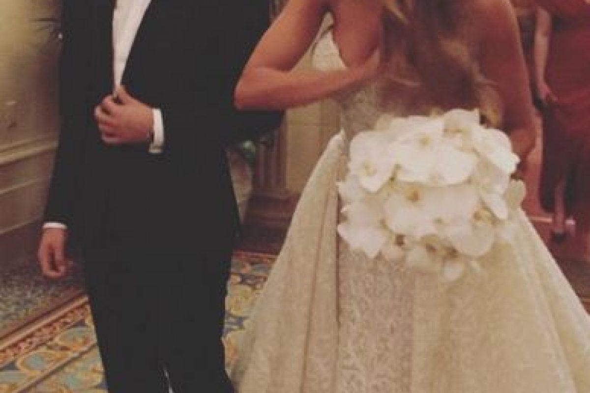 Sofía llegó al altar de la mano de su hijo Manolo Foto:Instagram/sofiavergara