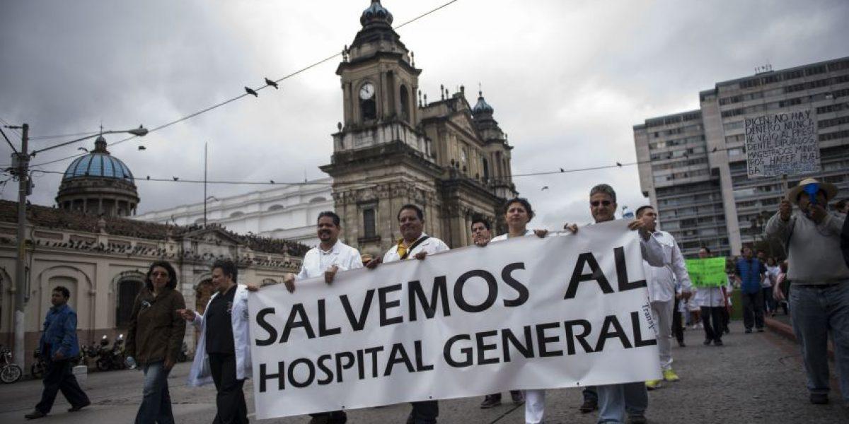 Médicos protestan y el Hospital General está al punto de colapsar