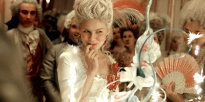 """""""Marie Antoinette"""", donde interpretó a la legendaria reina de Francia. Foto:vía Columbia Pictures"""