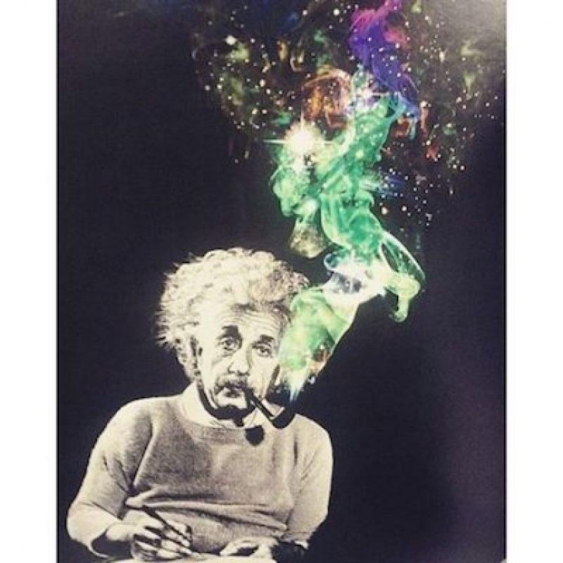 """6. """"Todo el mundo tiene que sacrificarse de vez en cuando en el altar de la estupidez"""". Foto:Instagram.com/explore/tags/einstein/"""