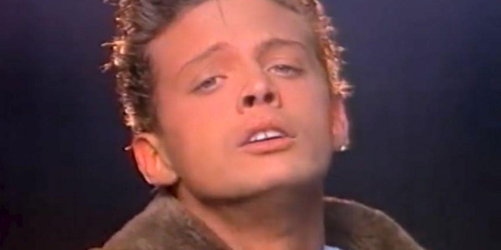 """En 1988, Luis Miguel lanzó el videoclip """"La Incondicional"""" con la modelo Carolina Menéndez. Foto:vía youtube.com/OficialLuisMiguel"""