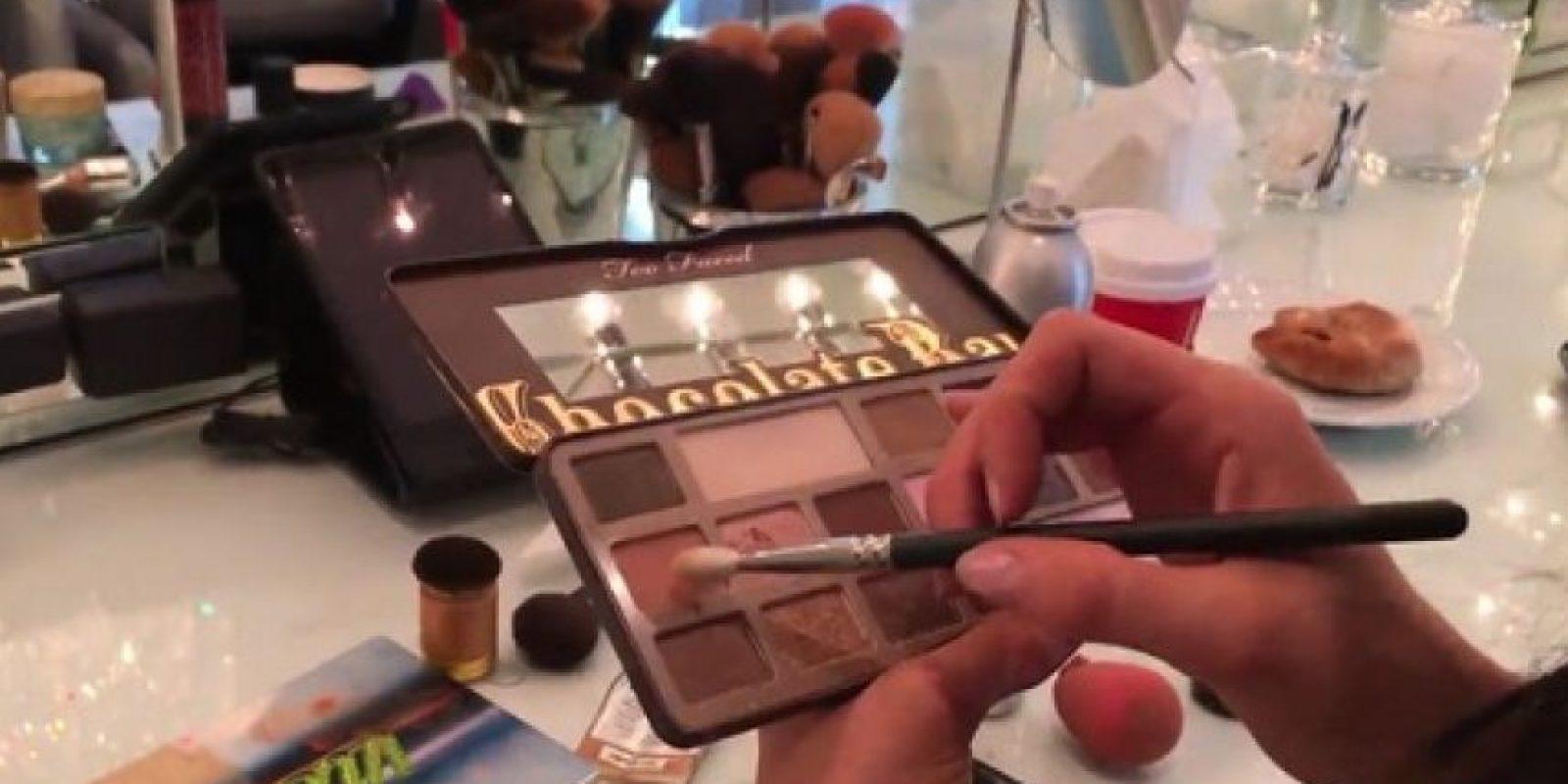 Kylie, también utiliza una peleta de sombras Urban Vice 3 con valor de 60 dólares. Foto:www.thekyliejenner.com