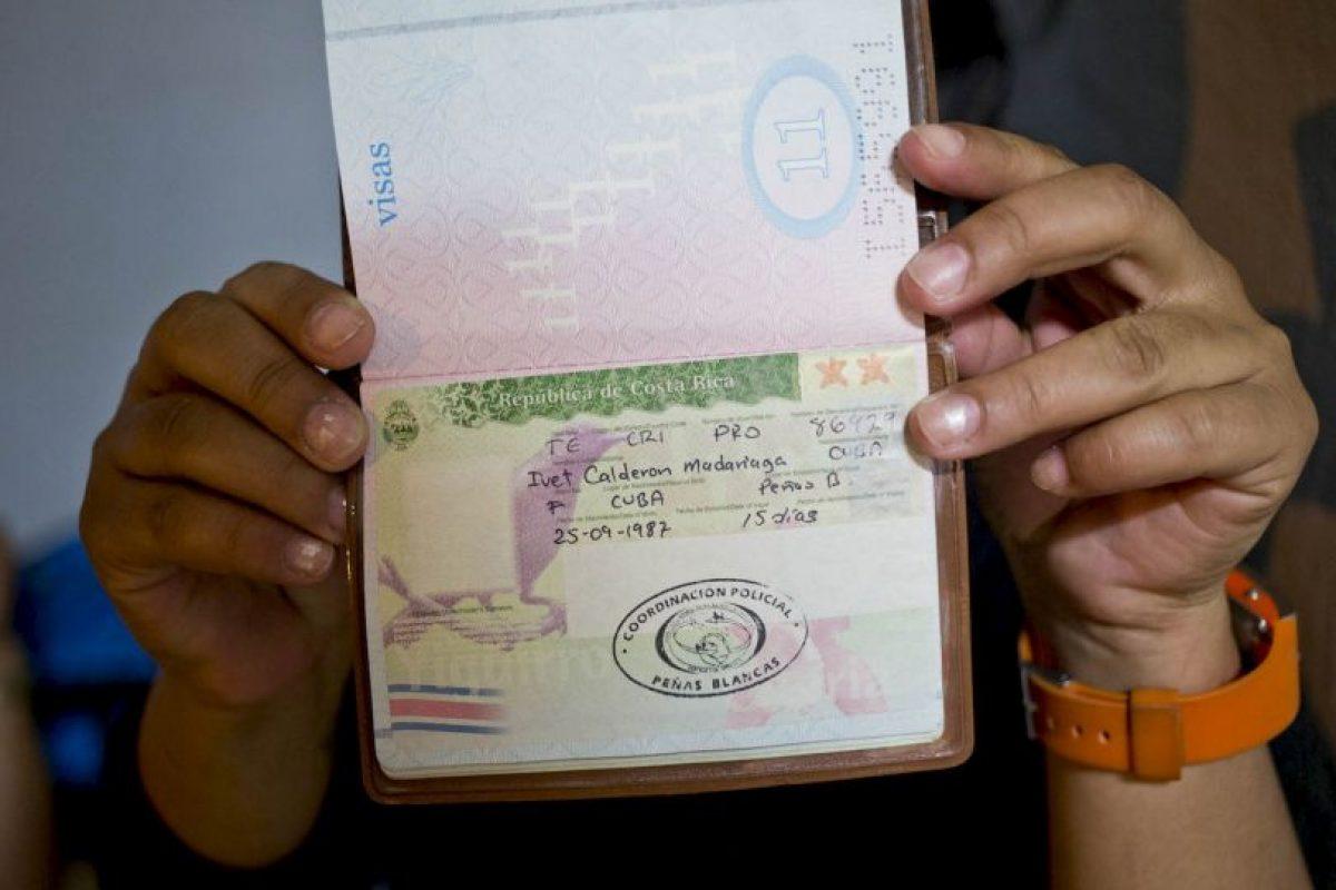 3. Las autoridades han advertido de lo que podría convertirse en una crisis humanitaria, pues el número de cubanos en la frontera de Costa Rica crece con el pasar de los días. Foto:AP
