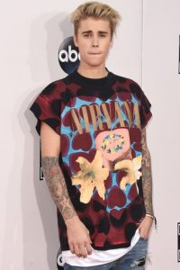 Justin Bieber utilizó una camiseta con el nombre de Nirvana. Foto:Getty Images