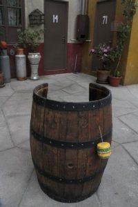"""El barril original donde se metía """"El Chavo"""". Foto:Nicolás Corte"""