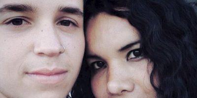 """Diane explica su relación (porque tuvo que defenderse): """"La gente piensa que la transexualidad se aterriza en la genitalidad y no es así. El mero hecho de que yo haya pasado por un proceso quirúrgico y hormonal ya no compromete solo al género, está comprometido parte de mi cuerpo y eso me hace desear el otro sexo, entonces ya soy una persona transexual"""". Foto:vía Facebook/Diane Rodríguez"""