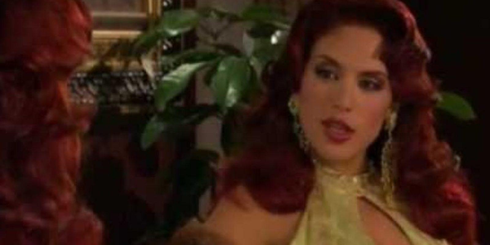 """Ni qué decir de la terrible transformación en """"Aurora"""" (telenovela clásica tenía que ser). Foto:vía Canal de las Estrellas"""