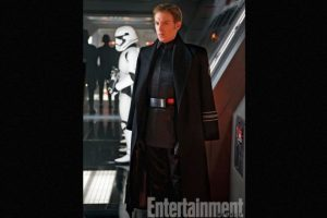 """""""General Hux"""" interpretado por Domhnall Gleeson, es el líder de """"The First Order"""" Foto:Revista """"Entertainment Weekly"""""""