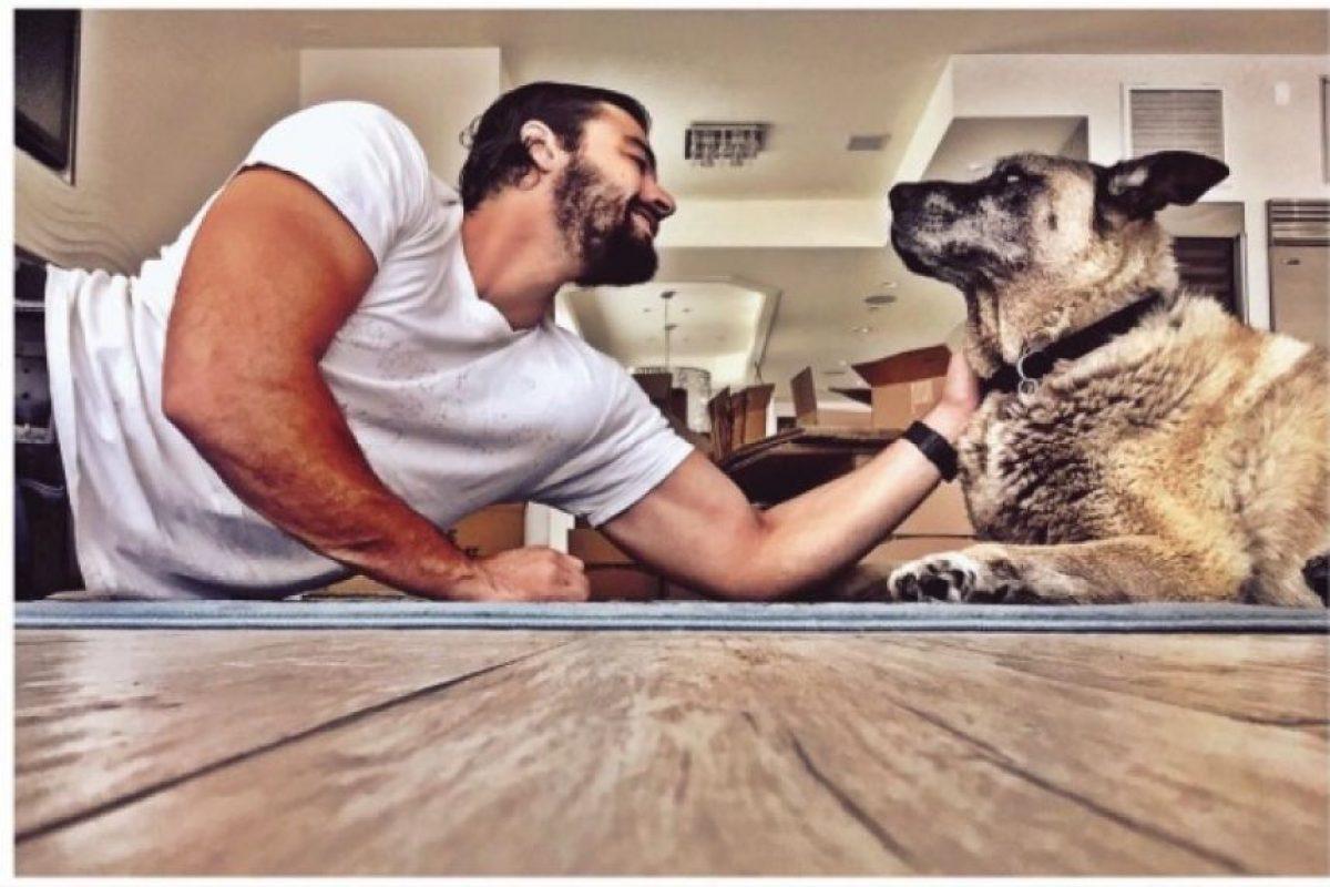 Además es un amante de los animales Foto:vía instagram.com/keyfern55
