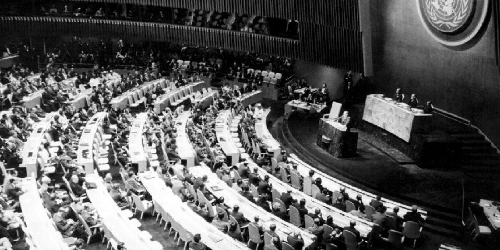 La crisis terminó cuando Nikita Krushev y Kennedy llegaron al acuerdo de poner fin a la crisis Foto:Getty Images