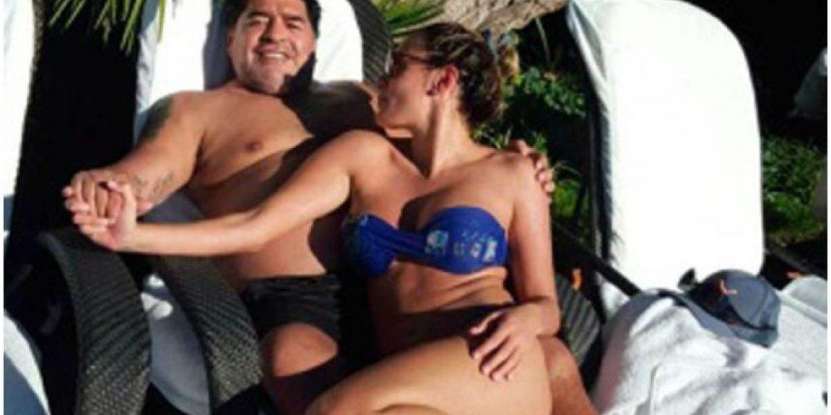 Echan de hotel a Maradona por bailar cumbia