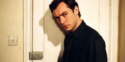 El actor, que había sido uno de los intérpretes ingleses más bellos de los 90, comenzó a tener menos éxito comercial. Foto:vía Getty Images