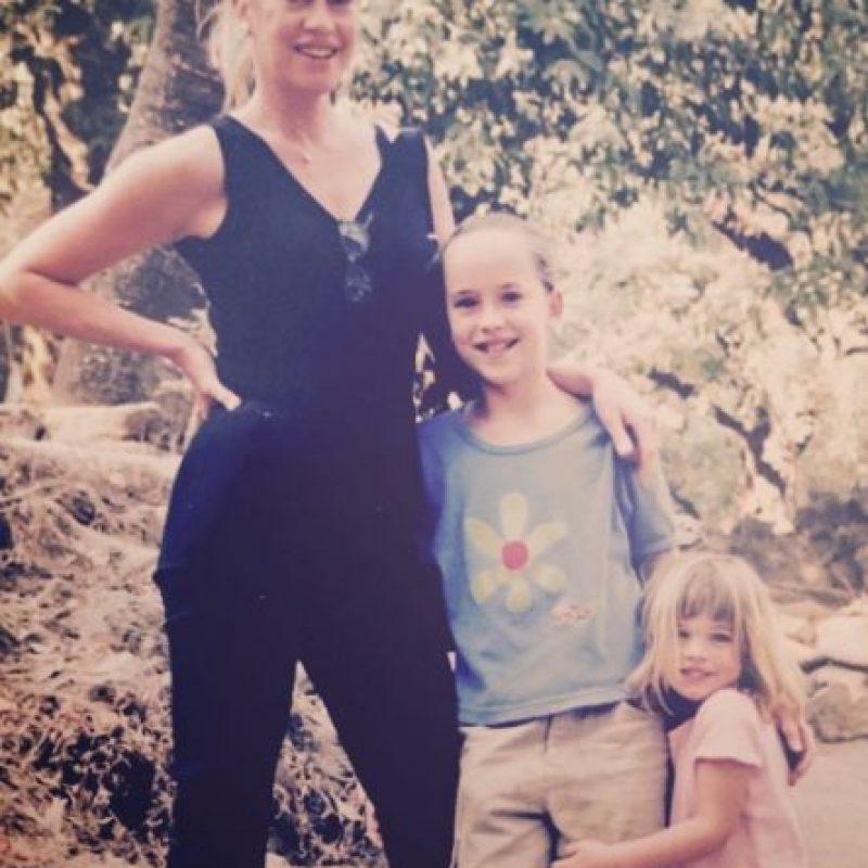 Pues la actriz ya había tenido dos hijos de sus anteriores matrimonios con Don Johnson y Steven Bauer. Foto:vía instagram.com/melanie_griffith57