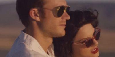 """""""Taylor está vestida como una mujer de la Colonia en un campo africano. El elenco principal del video, incluyendo a su novio y al director, todos son blancos"""", señaló la organización de medios National Public Radio. Foto:YouTube/taylorswift"""