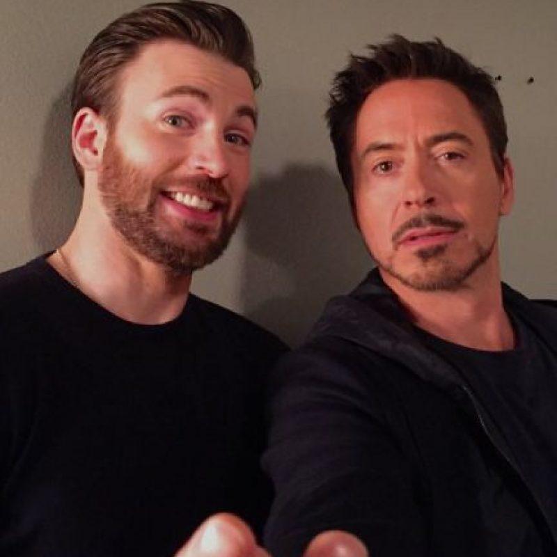 Chris Evans y Robert Downey Jr., visitaron el programa de Jimmy Kimmel la noche de ayer. Foto:vía twitter.com/jimmykimmel