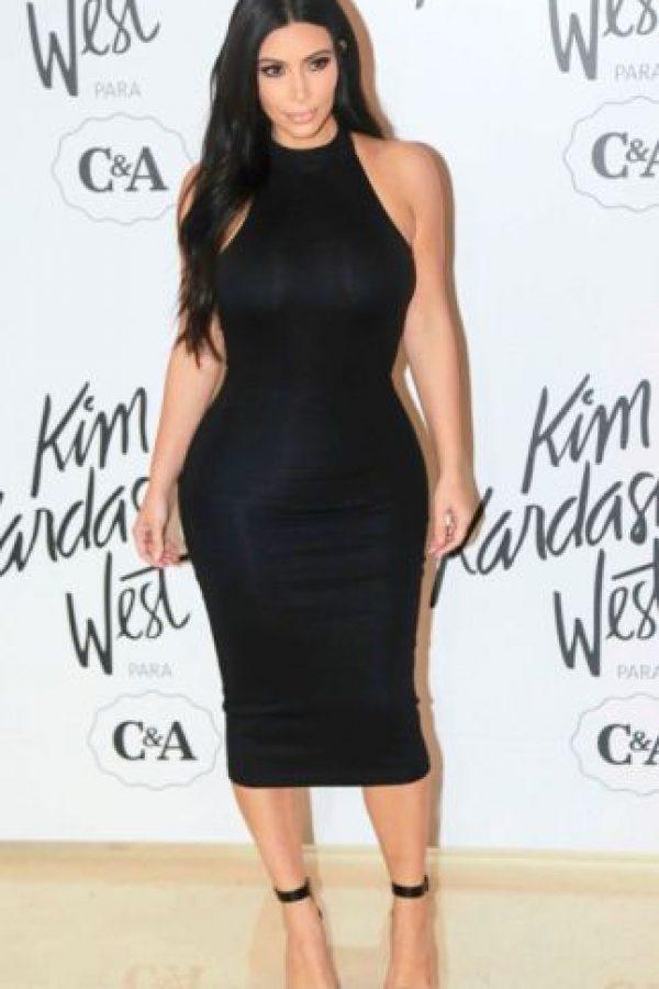 Eso sí, sin traicionar su sello de marca: mostrar sus curvas. Foto:vía Getty Images