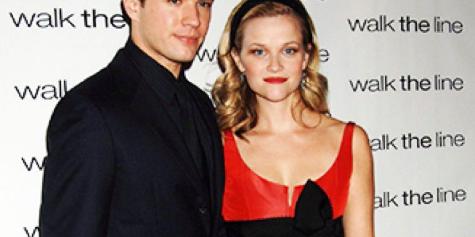 Reese Witherspoon rompió con Ryan Phillippe porque ella ganó el Oscar en 2005. Entonces ella era una novata en las alfombras rojas. Foto:vía Getty Images